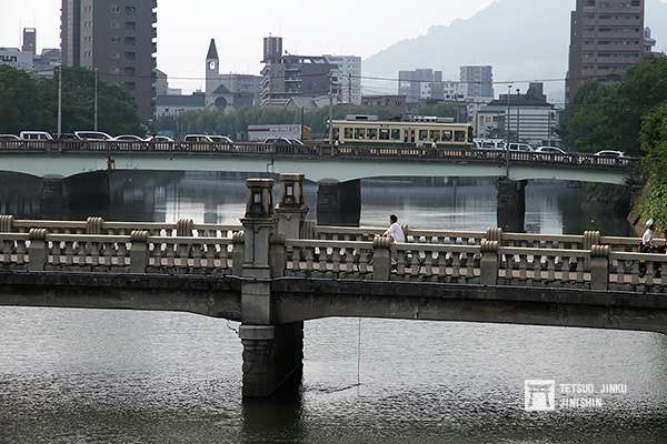 廣島市區隨處可見的路面電車,成了這個都市最重要的景觀之一。(圖/作者提供)