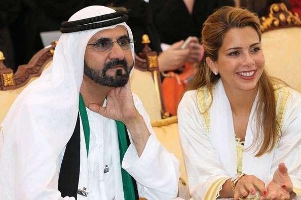 哈雅王妃(右)與夫婿謝赫.穆罕默德.本.拉希德.阿勒馬克圖姆(左)。(圖源:Emirates Woman)