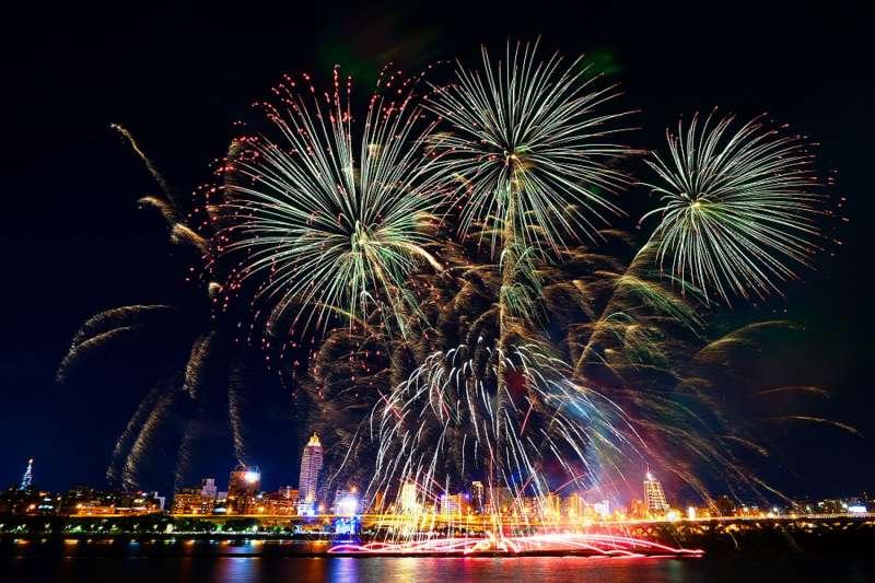 大稻埕煙火節將於8月3日晚上將推出浪漫的情人煙火秀。(圖/北市府觀傳局提供)