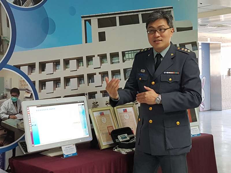 國軍新竹醫院院長楊仲棋強調,將持續透過此類合作精進整體醫療品質。(圖/方詠騰攝)