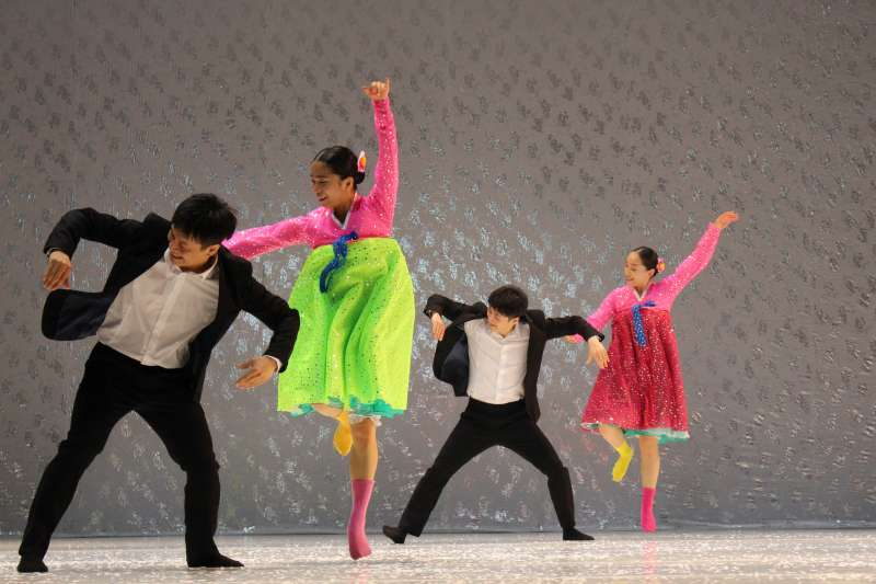 《南韓跳,北韓舞》是第一齣在韓國如此直接觸及南北議題的舞作,將於2019臺北藝術節演出。(圖/臺北表演藝術中心提供)
