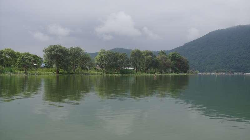 尼泊爾寧靜的貝娃湖。(圖/謝幸吟提供)