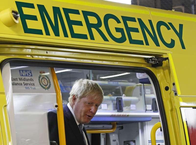 英國首相強森堅持否決《退出協議》中的北愛爾蘭邊境保障條約,甚至不惜「無協議脫歐」。(AP)