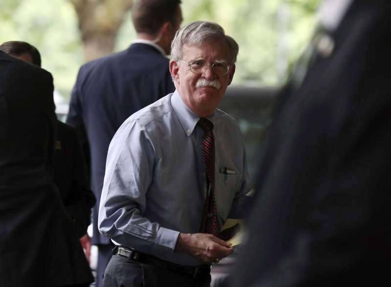 美國國安顧問波頓12日訪問倫敦,表態美國全力支持英國脫歐。(AP)