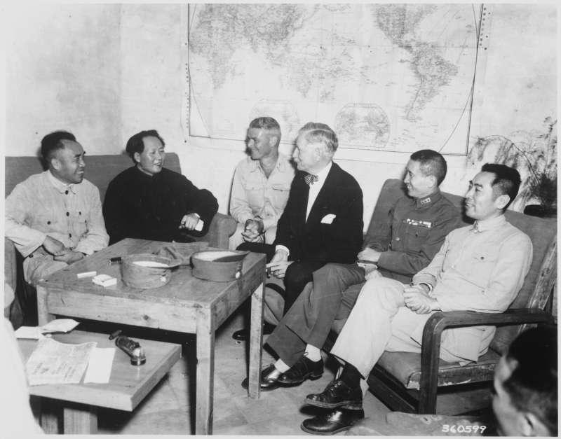 無論是從後勤補給還是意識形態的考量,中共都難以成為華府信賴的盟友,原本親共的美國駐華大使赫爾利(Patrick Hurley),在延安與毛澤東會面後,成為頑強的反共人士。(取自美國國家檔案館)
