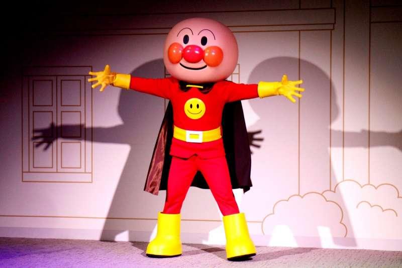 麵包超人目前在日本有5座「麵包超人兒童博物館」,博物館中則會有真人表演,吸引許多家族前往。(圖/作者提供)