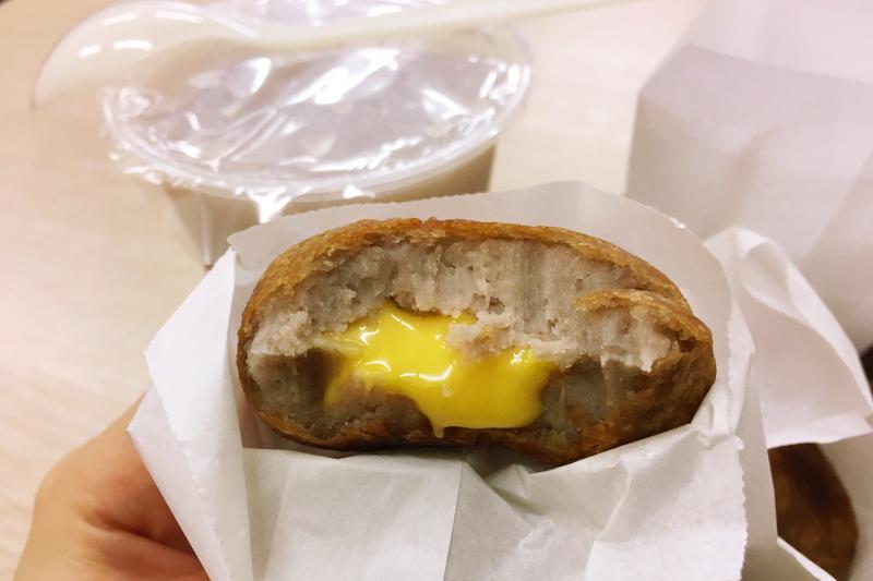 爆漿的起司芋泥球。(圖/許書宇)