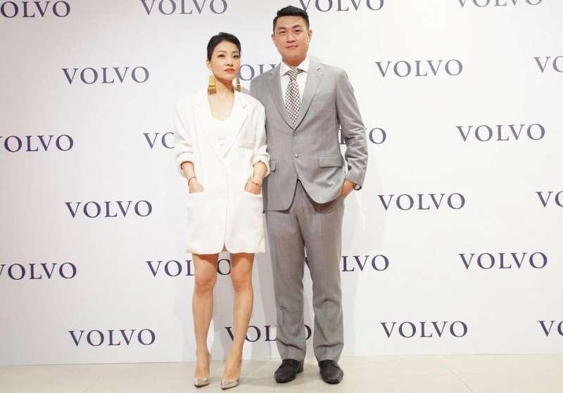 VOLVO凱銳汽車董事長林傳凱偕同夫人蔡旻紋出席晚會。(圖/凱銳汽車 提供)