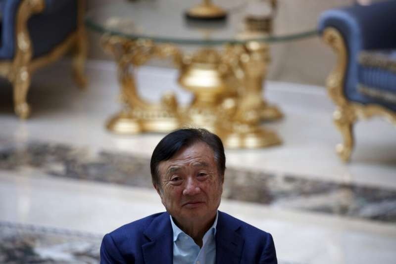 任正非在華為深圳總部接受媒體採訪。(美聯社)