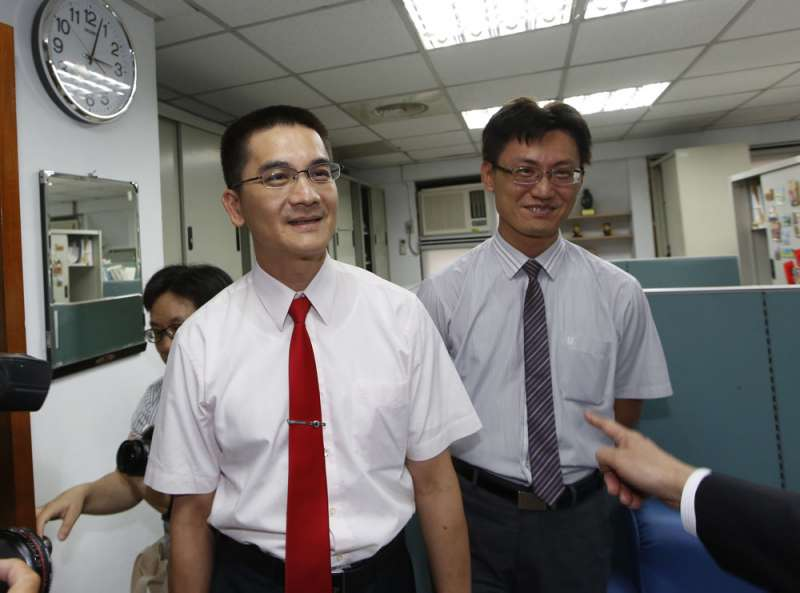 北檢資深檢察官黃士元(左)曾「過站不停」,今年再獲部長拔擢。(郭晉瑋攝)