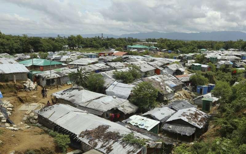 位於孟加拉的娜亞帕拉難民營,主要居住受緬甸軍隊迫害而逃來的羅興亞人。(AP)