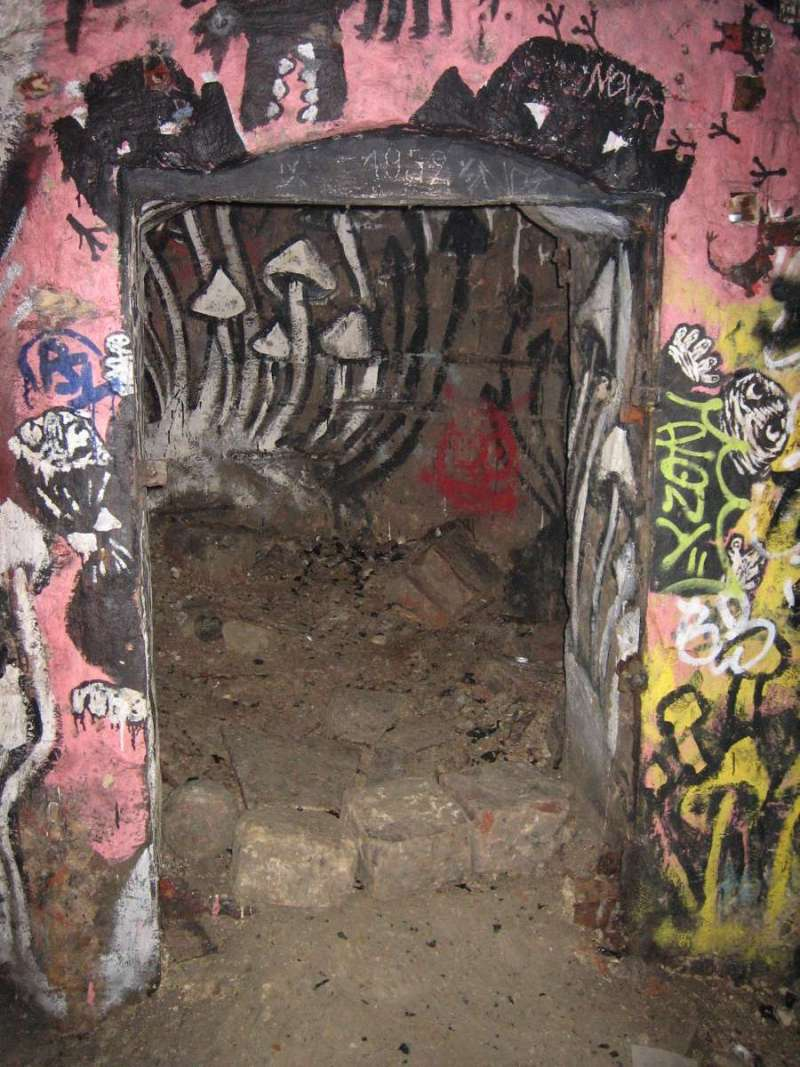 未公開的墓穴入口。(圖/flickr@Jerome Bon)