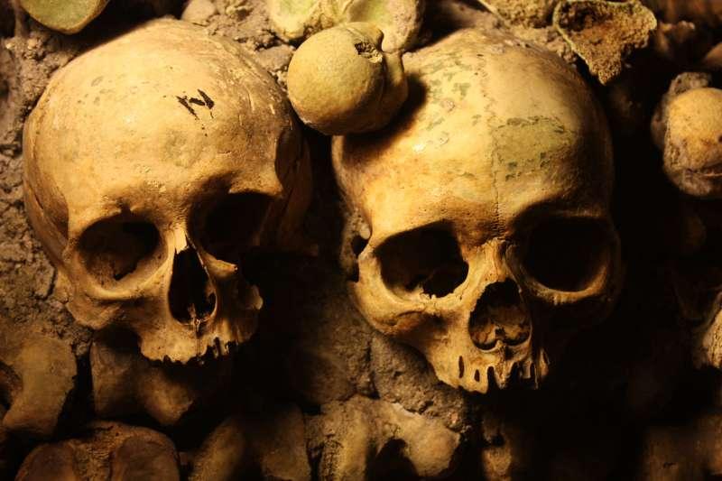 巴黎地下墓穴。(圖/flickr@Nurettin Mert AYDIN)