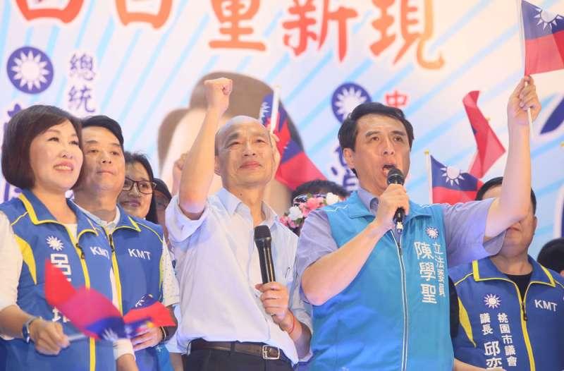 韓國瑜支持度不斷觸底,藍營人士憂心他能不能扮演好母雞角色。(柯承惠攝)