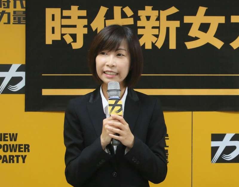 徐永明上任隔天的發言就遭參選人陳雨凡指出未事先溝通,引發爭議。(柯承惠攝)
