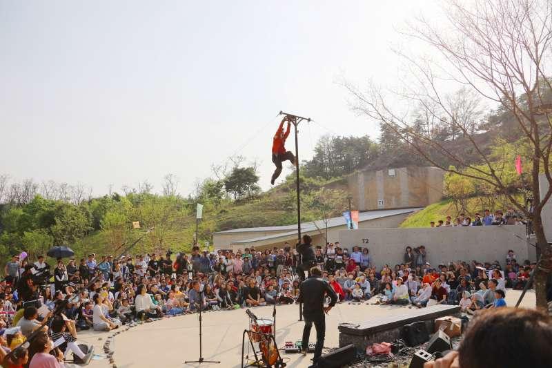 麻浦文化儲備基地如今時常舉辦藝文活動,吸引廣大市民參與。(首爾市政府提供)