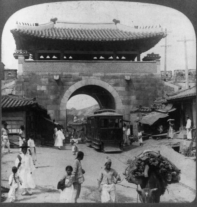 被拆除前的敦義門(維基百科公有領域)