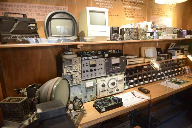 再次世運商家店鋪共同設立的展覽室,讓遊人見證此處發展的歷史。(首爾市政府提供)