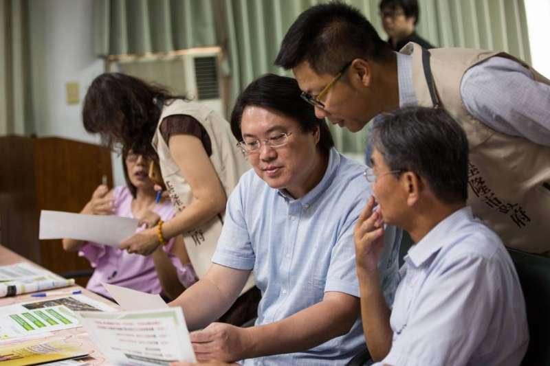市長林右昌為首個長照福利服務園區,將成立專案小組協助推動各項工作。(圖/張毅攝)