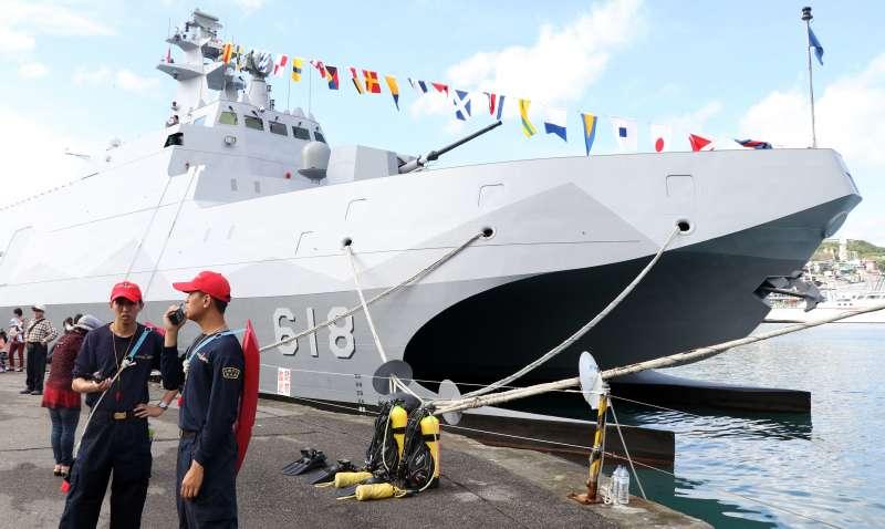 雙船體設計的海軍沱江艦。(蘇仲泓攝)