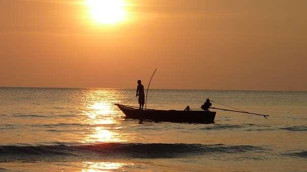 捕魚 漁夫 漁船 海洋(取自Pixabay)