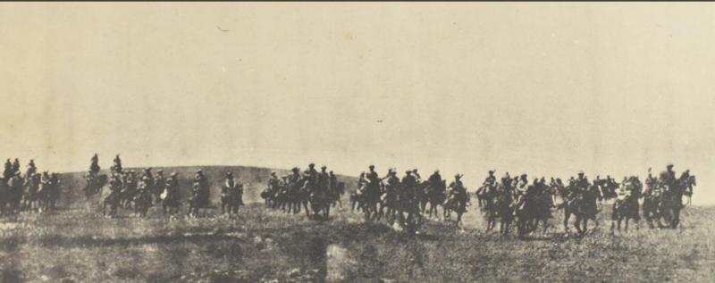 延續日本騎兵之父秋山好古的精神,騎兵第4旅團是日本陸軍編制中最後的一支騎兵單位。然而B-25在老河口戰場上對他們的打擊,終究證明騎兵還是要走入歷史。(何永道提供)