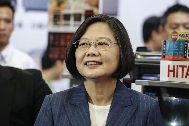 20290906-總統蔡英文出席「2019臺北3C電腦電器空調影音展」。(陳品佑攝)
