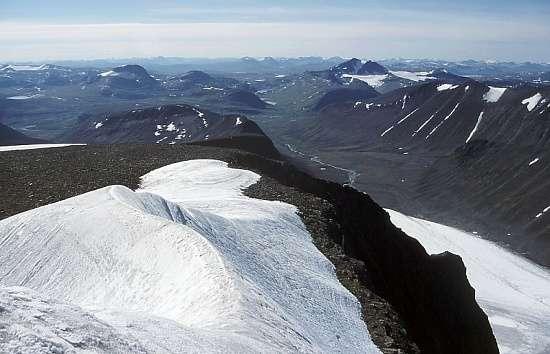 從開布內南峰望出去的景緻。(Mg-k@Wikipedia / CC BY 3.0)