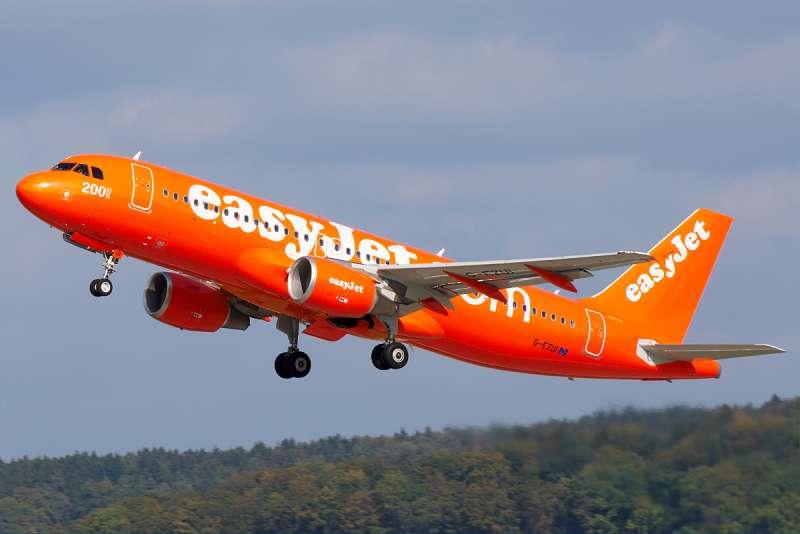 英國廉航易捷航空,發生「乘客」代開飛機的趣聞。(Biggerben@wikipedia_CCBYSA3.0)