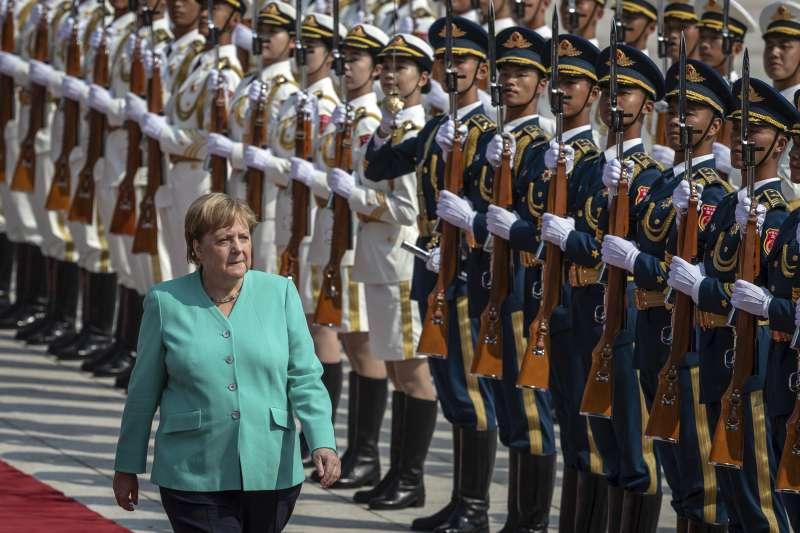 德國總理梅克爾6、7日訪問中國,向李克強建議保障香港公民權利與自由。(AP)