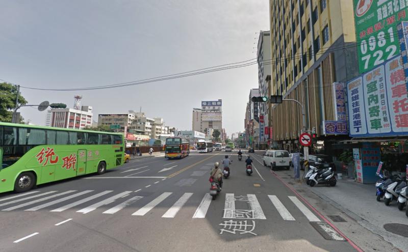 20190908-高雄火車站旁建國二路。(取自Google map街景)