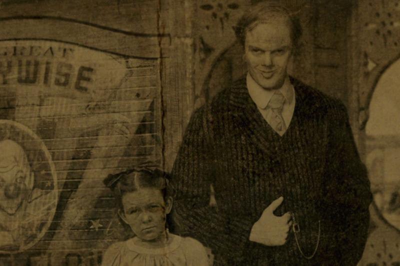 小丑與女兒的合照。(圖/IMDb)