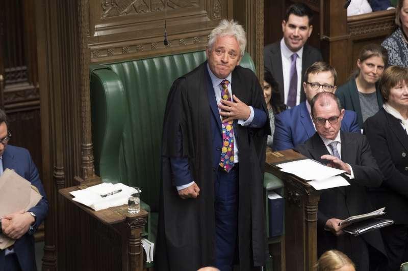 英國下議院議長、保守黨議員貝爾考(John Bercow)不滿首相強森要求休會,宣布將在10月31日請辭議長。(AP)