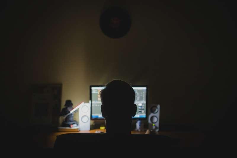 傳播這些影像資料的人可能是從受害人數字檔案或iCloud雲盤盜取信息的黑客。(圖/取自Pixabay)
