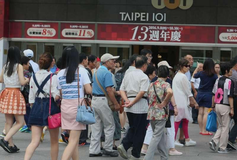 林佳龍年底前要制定《台灣觀光政策白皮書》,是改善觀光治本的第一支箭。(柯承惠攝)