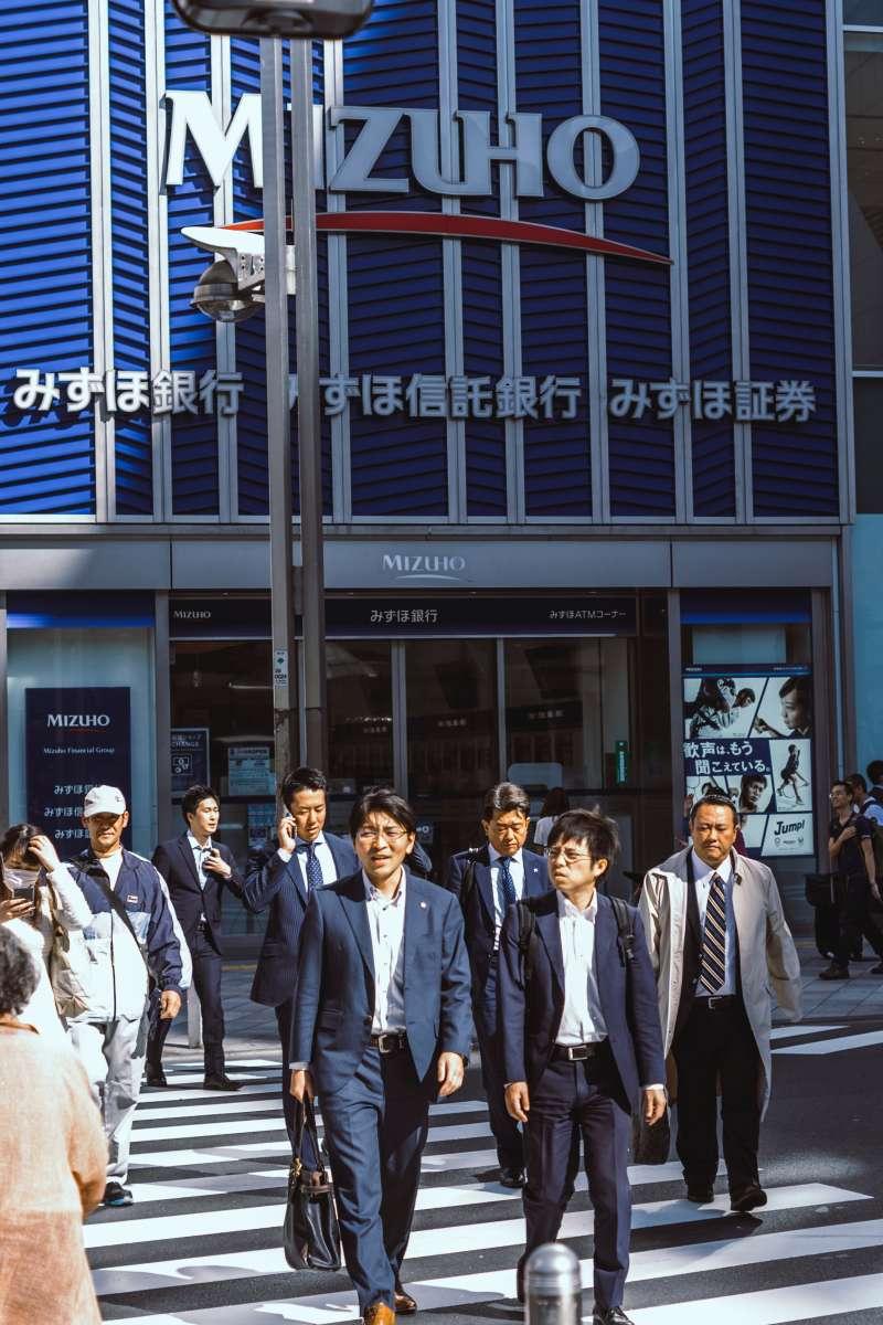 其實世界各國都有對勞工不友善的企業,並不是日本的專利。(圖/unsplash)
