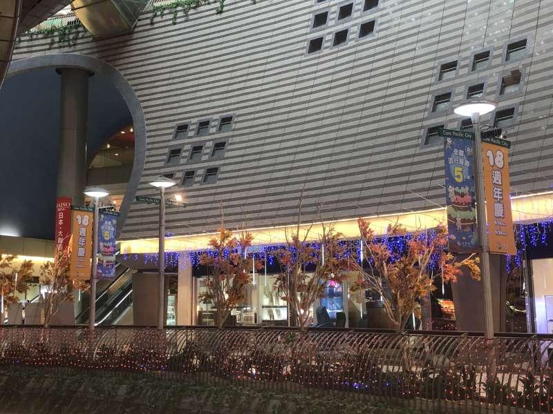 京華城推出週年慶活動,卻仍無法挽救頹勢。