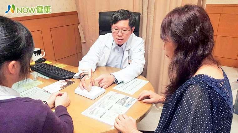 任士熙醫師表示,若尿失禁患者希望一勞永逸解決反覆漏尿困擾,可採用陰道吊帶微創手術進行治療。(圖/任士熙醫師提供)