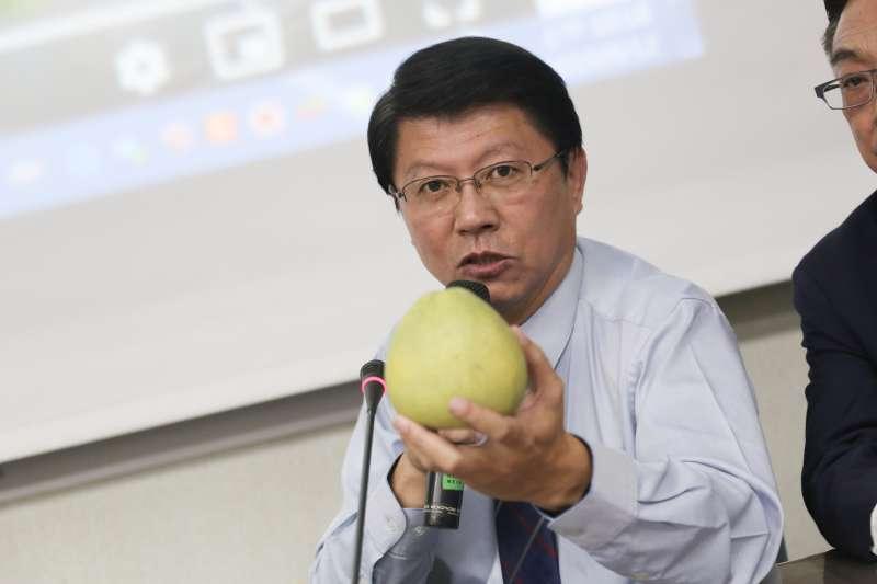 20190912-台南市議員謝龍介12日召開「農委會丟棄文旦抓到了!抓了!」記者會。(簡必丞攝)