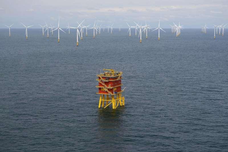 比利時北方海面的風力渦輪機組。(AP)
