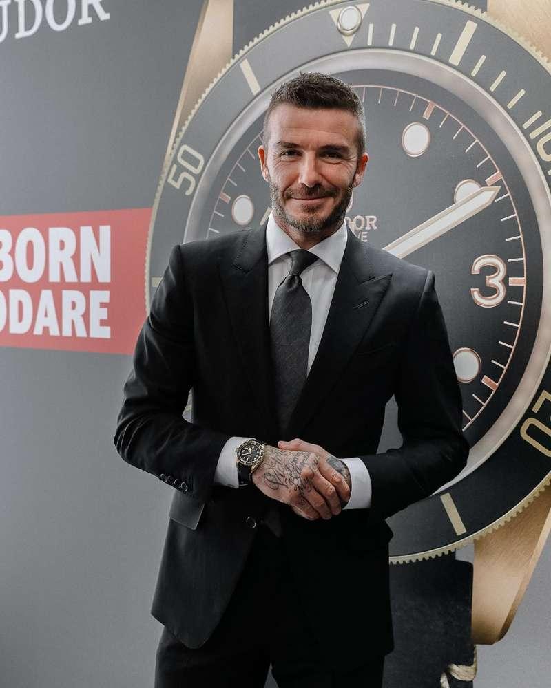 看貝克漢手上的半金潛水錶,會老氣嗎?會俗氣嗎?不會,所以錶沒問題,是你叔叔伯伯的問題。(圖/取自貝克漢IG)