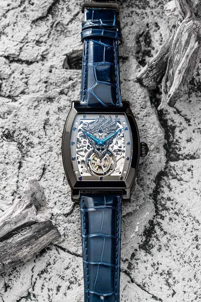 卡普空與萬希泉合作的聯名款陀飛輪機械錶,只送不賣。(圖/取自Capcom Asia官方粉絲頁)