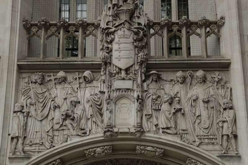 英國最高法院受理首相強森要求國會休會一案。(AP)
