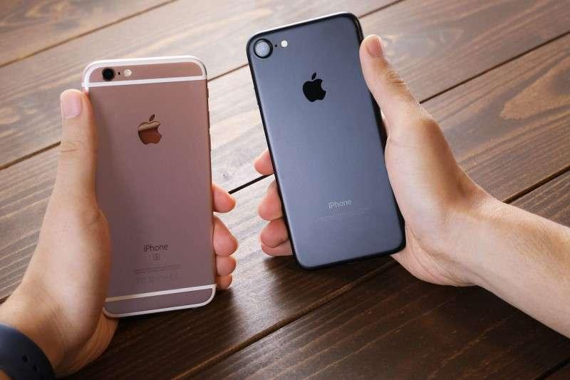 iphone6S被鄉民稱為「神機」,CP值超高。圖/PAKUTASO