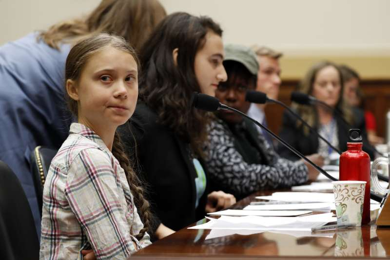 呼籲全球關注氣候變遷議題的瑞典少女桑伯格出席美國國會聽證會(AP)