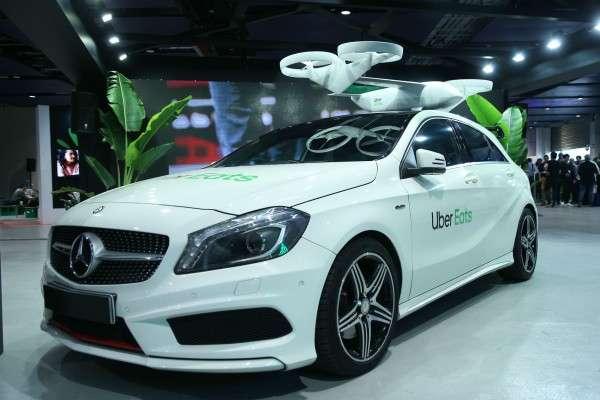 Uber Eats 在 7 月初於香港舉辦亞太區首個餐飲業未來發展趨勢峰會(Future of Food Summit),並在會場展出無人機送餐模型。(圖片來源:Uber Eats)