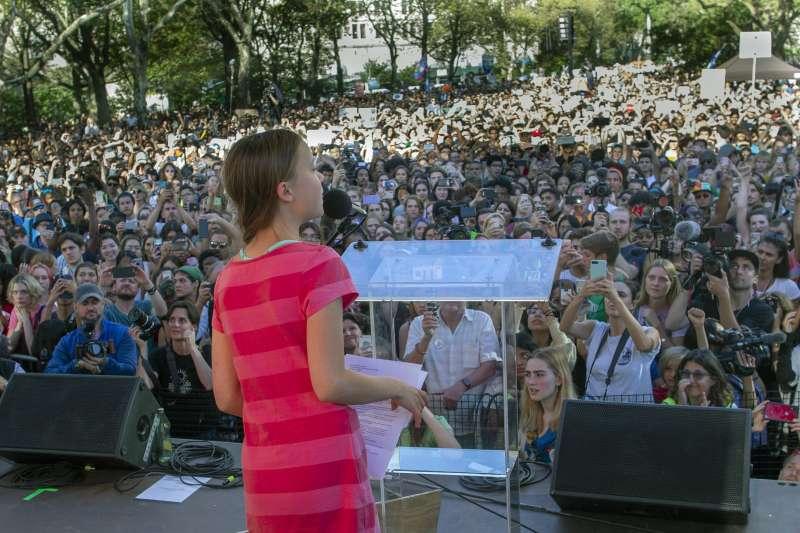瑞典16歲少女桑伯格20日參加美國紐約的「氣候罷課」活動(美聯社)