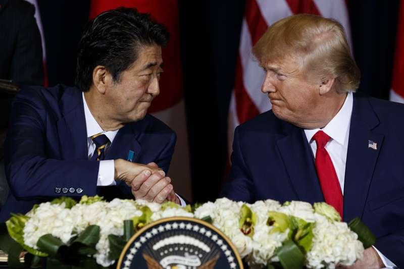 2019年9月25日,美國總統川普與日本首相安倍晉三在紐約簽署《美日貿易協定》(AP)