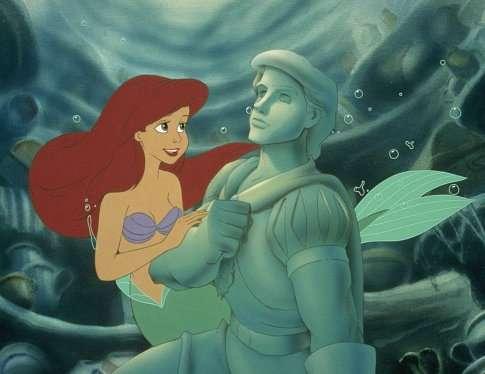 《小美人魚》艾莉兒嚮往跟人類王子結婚,並到陸地生活(圖/IMDb)