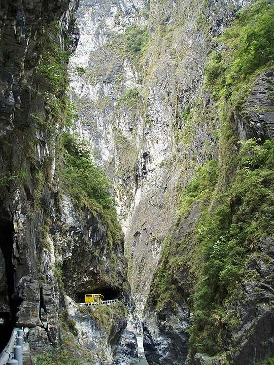 太魯閣國家公園的錐麓斷崖(圖/維基百科)